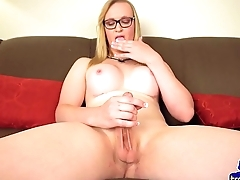 Bigtits tranny fingering her tight asshole