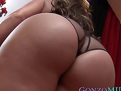 Hung stallion plows big ass MILF and sprays in her mouth