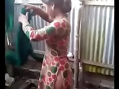 Ordinary Indian women s privacy being violated by hiddencam - DesiPapa Indian Po