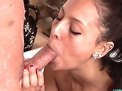 Dicksucking babe massaging clients dong