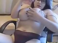 fat german babe loves to finger herself