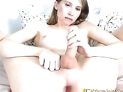 Cute American Amateur Mature Shemale Teasing 16660017828-10130 - HD WebcamSpies.Com